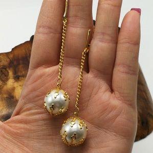 Vintage 90s simple Pearl drop gold filigree long